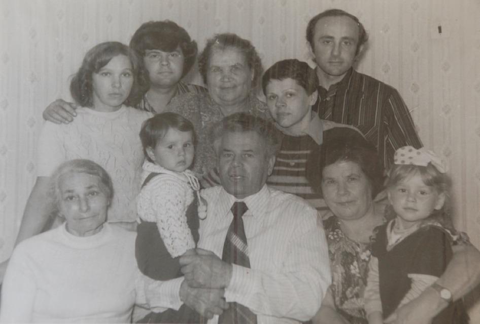 Zeltserman_Family_USSR_1979_web