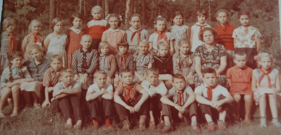 Early 1960s Soviet schoolchildren for Soviet-Jewish immigration stories